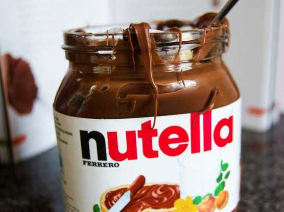 People, it's just sugar, palm oil, fake flavour, and some nuts... let's dial our Nutella-Love down a notch, shall we?